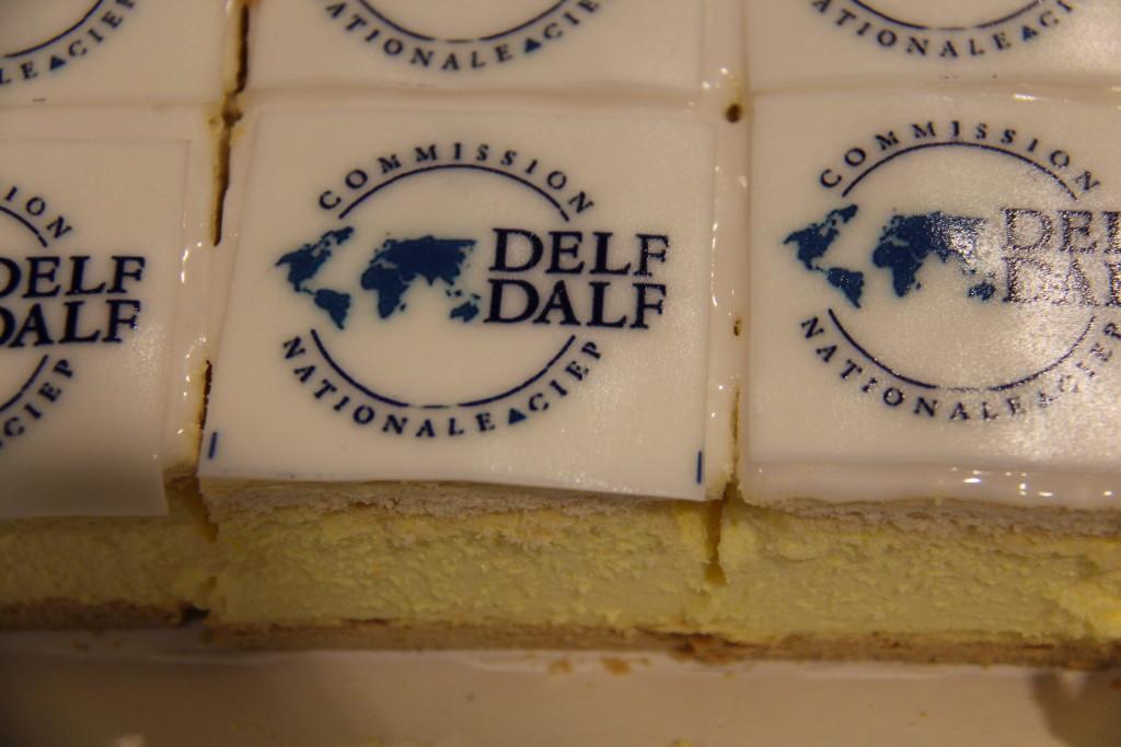 Taart Delf diplomauitreiking